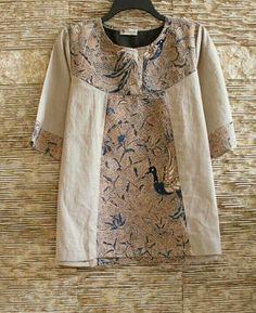 I like the mix of batik and solid. Fashion Mode, Hijab Fashion, Fashion Outfits, Womens Fashion, Blouse Batik, Batik Dress, Clothing Patterns, Dress Patterns, Batik Kebaya