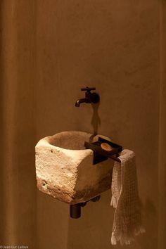 B a r S a n — jean-luc laloux Interior Architecture, Interior And Exterior, Interior Design, Library Architecture, Bathroom Inspiration, Interior Inspiration, Stone Bathroom Sink, Stone Sink, Tadelakt