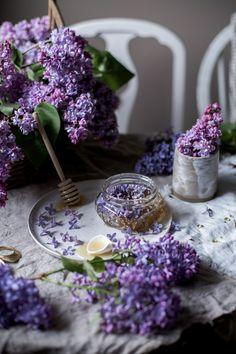 lilac infused honey — L Lavender Aesthetic, Purple Aesthetic, Recipe Creator, Flower Food, Edible Flowers, Coffee Break, Purple Flowers, Rose Flowers, Tea Time