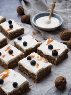 Gluten-free Carrot Cake with yogurt - frosting // Glutenfri gulerodskage med skyr-forsting