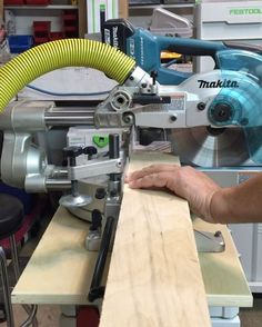 toolpig😍😍😍😍 the rolling dust collecting miter saw stand I never knew I had! @festool_usa @makitatools #portable #miterstation #mitersaw #trimcarpentry #trimcarpenter #finishcarpenter #finishcarpentry#dustcollection #tiny #small #slidingcompoundmitersaw