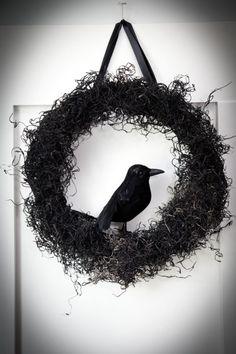 DIY Halloween Wreath by lana