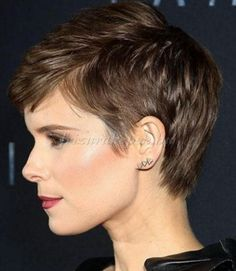 10 Lovely Hairstyles For Round Faces Ideas Trendy hairstyles to try in Photo galleries for short hairstyles, medium hairstyles and long hairstyles. Hairstyles for women over Hairstyles for straight, curly and wavy hair. Short Pixie Haircuts, Pixie Hairstyles, Trendy Hairstyles, Hairstyles 2018, Haircut Short, Short Hair Cuts For Women, Short Hairstyles For Women, Short Cuts, Short Wavy