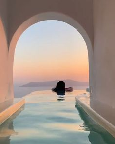 Is Mykonos Expensive? Is Mykonos Expensive? Greece is a amazing travel destination with Mykonos being my favourite place! Use our travel budget calculator to help you plan! Infinity Pools, Travel Videos, Travel Tips, Travel Goals, Budget Travel, Travel Essentials, Travel Hacks, Packing Hacks, Travel Money