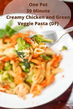 This creamy chicken and green veggie pasta is the ultimate weeknight 30 minute comfort food. Made with tender shredded chicken, onions, garlic, zucchini, arugula and broccoli, this pasta made with Barilla Pronto Penne literally cooks all in one pot with no boiling or draining required. Minimize the fuss and cleanup when making dinner with this recipe. Dairy Free too!