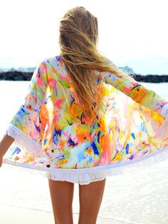 Trend Thursday: Kute Kimonos - Picture this: it's a warm summer night, you're headed out to meet up with some friends and you've picked out an almost perfect outfit, but there's just something. Mode Style, Style Me, Marchesa, Lilly Pulitzer, Beach Kimono, Summer Kimono, Summer Cardigan, Summer Outfits, Cute Outfits