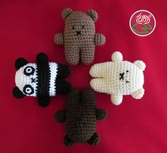 This is a Mini version of my Original Amigurumi Bears ( photo 2) which take less time and yarn to make and can fit into your hand :). Please note that this is pattern only for the mini version.