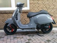 Modern Vespa : post pics of your gts Vespa Gts 125, Vespa 300, New Vespa, Vespa Sprint, Piaggio Scooter, Vespa Bike, Vespa Lambretta, Vespa Scooters, Scooter Motorcycle
