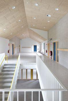 "Gallery of Nursery and Primary School ""DE TOL"" / Dierendonckblancke Architects - 2"