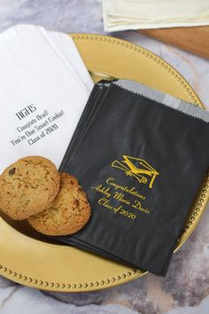 Decorate your graduation smart cookie bar or candy buffet with these custom printed wax lined favor bags. Ideal for candy, chocolates, cookies, brownies, and more. Graduation Party Desserts, Graduation Cookies, Grad Parties, One Smart Cookie, Thank You Messages, Cookie Favors, Candy Buffet, Favor Bags, Grease