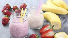 Zwei einfache Smoothies sind die Bananenmilch oder der Erdbeershake. Im Sommer…