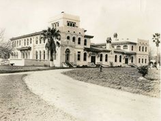 The main building at the King Ranch shortly after its construction in 1915. It is Mediterranean style, 37,000 square feet, and has 17 bedrooms