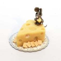 Swiss Cheese Cake and Mouse | Stewart Dollhouse Creations