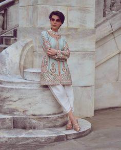 Bookmark These Stylish Outfit Ideas For Eid Muslim Fashion, Modest Fashion, Indian Fashion, Simple Outfits, Stylish Outfits, Cool Outfits, Eid Outfits, Bridal Outfits, Anarkali Kurti
