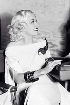 Iconic beauty, 1930s
