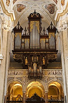 A photo album that features pipe organs from around the world that have been heard on Pipedreams broadcasts. Religious Architecture, Church Architecture, Amazing Architecture, Cathedral Church, Pipe Dream, Types Of Music, Place Of Worship, Kirchen, Choir
