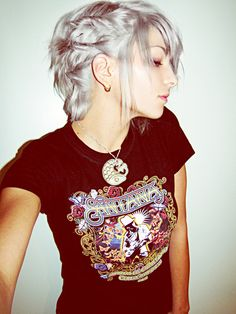 If i was really skinny, and faerie-like, i would totally rock the silver hair trend.