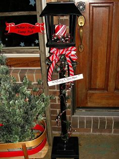 dickens style christmas lamp post - Christmas Lamp Post Decoration Ideas