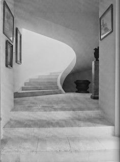 The home of Rory Cameron originally featured in the April 1984 issue of World of Interiors as seen on The Art of the Room demonstrated the flexibility of plaster in this nautilus inspired staircase.