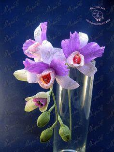 Орхидеи из конфет и гофрированной бумаги. Мастер-класс Автор МК: Светлана Доморацкая