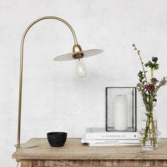 Table lamp glow brass finish