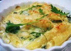 Comece bem: pasta cremosa com frango, gorgonzola e rúcula - Gastronomia - Bonde. O seu portal