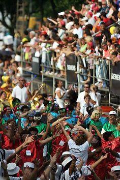 27/jan/2013 - BRASIL - SÃO PAULO - Av. FARIA LIMA - Blocos de Carnaval desfilam no Faria Pholia na capital. By FSP.