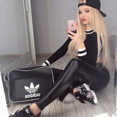 @retrokickspl mają najlepsze sportowe buty i akcesoria! ❤️🔥 #adidas #retrokickspl #retrokicks #all #black #blonde #polishgirl #polishwoman #selfie #makeup #makijaz #polskadziewczyna #blondie #sport #ootd #ebutik #cap #legginsy #body #buty #shoes #czapka #fullcap #bag #torba #follow #me