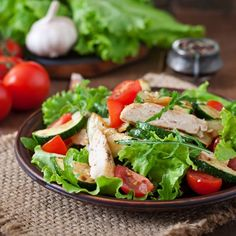 Chicken salad recipes, from a classic breaded chicken salad, low-fat roast Salad Recipes For Dinner, Chicken Salad Recipes, Recipe Chicken, Healthy Salad Recipes, Diet Recipes, Eat Healthy, Spanish Salad, Easy Summer Salads, Spring Salad