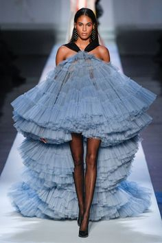 See all the Collection photos from Jean Paul Gaultier Spring/Summer 2019 Couture now on British Vogue Haute Couture Style, Couture Looks, Juicy Couture, Spring Couture, Fashion Art, Editorial Fashion, Runway Fashion, Fashion Outfits, Fashion Design
