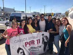 Carlos Rivera se deja querer por sus fans laguneros