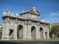 Puerta de Alcalá, Madrid by voces, via Flickr