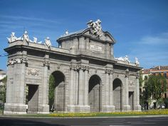 Puerta de Alcalá, Madrid by voces, via Flickr
