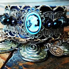 Ibizannet webshop for handcrafted leather bracelets, leather Bootbelts, and Decorated bags in gypsy and ibizastyle, all handmade by Annet Zwanenburg