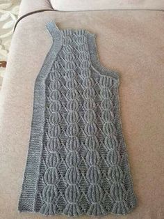 Diy Crafts - This Pin was discovered by Ulk Diy Crafts Knitting, Easy Knitting Patterns, Knitting Stitches, Knitting Designs, Baby Knitting, Knit Cardigan Pattern, Crochet Vest Pattern, Knit Crochet, Boat Neck Wedding Dress
