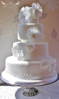 Romeo & Juliet Cakes - Margherita  white wedding cake with translucent rice paper flowers