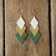 BO GAIA KHAKI and gold-plated Miyuki beads sewn by handThe Effective Pictures We Offer You About beaded earrin Seed Bead Jewelry, Bead Jewellery, Seed Bead Earrings, Diy Earrings, Earrings Handmade, Handmade Jewelry, Hoop Earrings, Etsy Handmade, High Jewelry