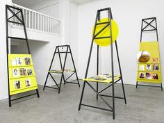 Das Magazin by Parat  設計工作室 Parat 以分明的現條、色彩及圖像,為來自漢堡的 Das Magazin 所設立的 pop-up shop 打造出特殊的商店景色。