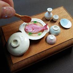 炊いた鯛らしくなったかな…? しゃもじはひのきを削りました。 地味に削るのが大好き👍 土鍋も茶碗も徳利も 基本的にアートナイフで削ります🙌 効率とか考えず 好きだから チマチマチマ…  #鯛めし#鯛 #土鍋#土鍋ごはん#和食 #food #foodie #foodstagram #foods  #料理好き #食べるの大好き#ごはん #lovefood#夫婦茶碗#炊き込みご飯 #Japanese#骨に注意#日本酒 #時間かかった #ミンネ#夫婦茶碗 #ヤフオクデビューしようかな #artknife#handmade#original