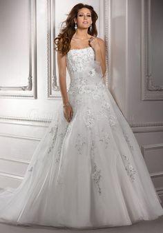Dramatic Strapless Organza Applique Zipper Back Wedding Dress