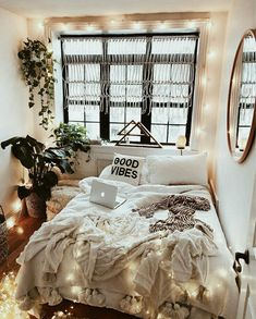 Ways to Teen Room Decor for Girls Wall Decorations. Lovely Ways to Teen Room Decor for Girls Wall Decorations. Room Reveal Girl S Bedroom On A Bud Teenage Girl Bedrooms, Teen Bedroom, Bedroom Inspo, Bedroom Ideas, Bedroom Designs, Bedroom Small, Modern Bedroom, Bedroom Themes, Tumblr Bedroom