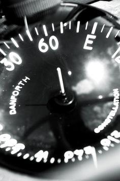 Dario Piacentini Photographer - Compass