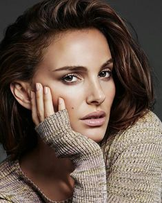 Natalie Portman, photographed by Alique for Diorskin Forever, Fabulous Article Marvelous Short article Natalie Portman, Beauty Photography, Portrait Photography, Most Beautiful Women, Beautiful People, Actrices Hollywood, Celebrity Portraits, Celebs, Celebrities