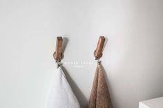 kołki do zagłówka, na sznur lampy: drewniane wieszaki toaletowe - DIY — H O U S E L O V E S