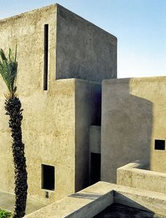 Studio KO - Villa D - Marrakech - ©Dan Glaser > Walls are made of sundried mud bricks and covered with a raw earth coating