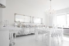 White + Silver Beach House Kitchens, Home Kitchens, Kitchen Dinning Room, Dining Rooms, Modern Interior, Interior Design, My House Plans, Floor To Ceiling Windows, Teen Girl Bedrooms