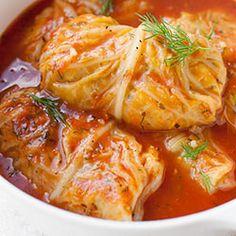 Gołąbki z warzywami - gołąbki wegetariańskie bez mięsa. Z soczewicy, ryżu i pieczarek oraz z warzywami: porem i marchewką.