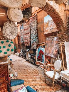The 7 most inspiring things to do and see in Marrakech without the crowds. Marrakech Travel, Morocco Travel, Places To Travel, Places To Go, Craft Markets, Inspiring Things, Most Beautiful Cities, Amazing Destinations, Travel Destinations