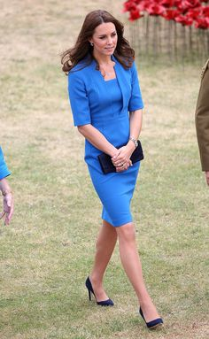 The Duchess executed the tone on tone perfectly, adding a navy clutch and L.K.Bennett pumps to her sky-blue-hued L.K.Bennett sheath dress.