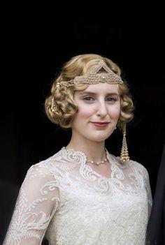Laura Carmichael as Edith Pelham. Wouldn't that make for a beautiful wedding ensemble?
